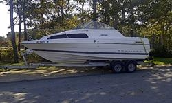 2001 BAYLINER, - EXCELLENT CONDITION, ONLY 80 HOURS ON 5.0 LITRE MERCRUISER.  ALL UPHOLSTERY AND BIMINI TOP IN EXCELLENT CONDITION.  FLUSHABLE TOLIET, PROPANE STOVE, FRIDGE, AM/FM CD STERO, CB RADIO, FISH FINDER. COMES WITH ALL SAFTEY EQUIPMENT, AND BRAND