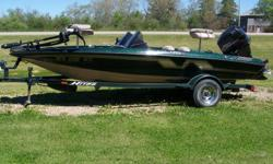 1995 nitro 17 ft dual consul, am/fm/cd player, fish finder, gps 42 mph, seedo's, bilage pump, dual airrated live wells, locking storage compartments, 2 inch ball, spare tire, composite boat no wood, 95 mercury oil injected stainless steel prop pt & t, 101