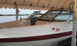 2006 CARAVELLE FISH AND SKI <60HOURS VOLVO PENTA 4.3L V6 190 HP; SNAP OUT CARPET, 2 PEDESTAL FISHING SEATS, LIVE WELL, REAR TRANSOM ENTRY. PHONE 370-9933.