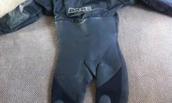 "Used Bare drysuit, medium to large ? Cant seem to find size. I bought online advertised as XL ( IT is not an XL!) I am 5""11 225 and its too tight . Would fit someone slimmer! Great way to get into water in May and be able to stay in till lat october. this"