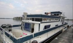 FOR SALE 1983 43 ft x 13ft Gibson House Boat. V-Hull all fibre glass. twin 318 Chrysler Engines. Sleeps 6 comfortably. New Carpet and paint interior, 2 seasons new. Everything included for you to have that great summer on a floating cottage. Turn key