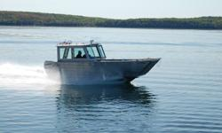 Henley 24ft  Load  Hauler  Landing  Craft,  Just  the  vessel  for  all  those  big  jobs,  great  for  all  you  contractors  out  there .  This  vessel  is commercially built and is  ready  for  work.  Lots of  engine  choices  up  to  225HP 4  stroke