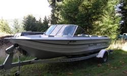 21ft marathon jet boat like new /motor 175 sportjet /2001 with very few hrs full length green canvas top 250 228 1010 or 250 468 0207