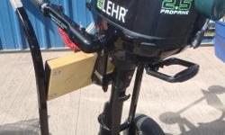 LEHR 2.5HP PROPANE POWERED 4 STROKE OUTBOARD MOTOR - NEW Canadian List $1636.00 ***PROMO PRICE $1459.99*** Powerful 4 stroke engine Runs on 16.4oz Camping Bottle or Propane Tank Eco Friendly - Zero Evaporative Emissions / Propane is not a Marine