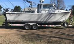 2002 26' Osprey Expedition, ex Lake Erie boat, never in saltwater. 5.0 litre chev fuel injected,1181 hours,21 knots at 3500rpm, 28 knots flat out,has heat exchanger cooling, kicker is a 2017 Mercury 20HP only 5 hours,TR1 Gold autopilot with wireless