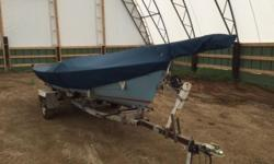 Paceship 17 - manufactured in Nova Scotia - small cuddy in front - all rigging and sails complete - manual is included. Custom made cover also incl. Trailer needs paint but tires, wheels and bearings only have @100 km and it has been re-wired. Boat needs