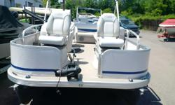 2010 model with 50 hp merc 4 stroke fish finder and bow trolling motor mooring cover live well and 4 fishing seats