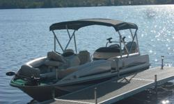 2004 Princraft 191 Ventura Deck Boat. 150 HP Mercury Optimax Livewell,Fish finder,4 Pedestal seats Plus plenty of storage. Seats 8-10 Comfortably.Few Scratches on decals,otherwise great shape.Always stored indoors. Call or Email for more info.