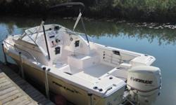 For Sale 2007 Pro Line Walk- Bought new in 2009 this boat has less than 10 hrs and is in new condition. List price was 56k it has a Lorance colour sonar gps, porta potty, sony stereo. Full enclosure with a 200 Evenrude Etec motor. Asking $39,500.00 obo