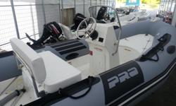 The PRO CLASSIC was designed to offer unparalleled safety on board. Besides its non-slip deck, the boat's plating is higher to allow the transporting of pointed objects (spearguns, fish hooks, etc.) without needing to protect the float. This boat features